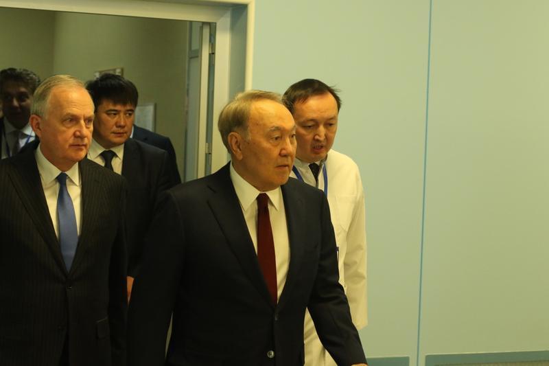 2018.11.14 Назарбаев роботизированная хирургия 2